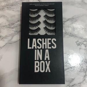 NWOT Lashes in a box E5 artificial lashes